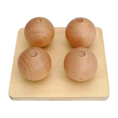 Esferas sobre base de madera para ensartar